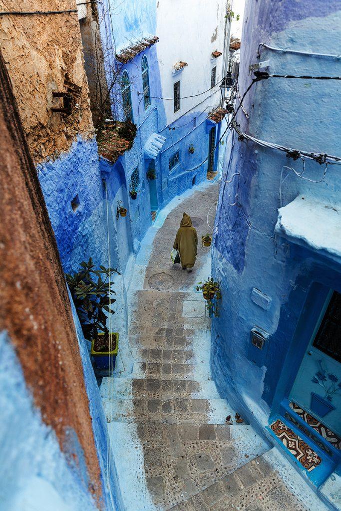 Szewszawan,Maroko,medyna,schodki,człowiek,niebieski