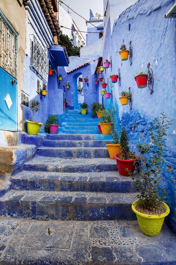 Szewszawan,Maroko,medyna,uliczka,kolory ,kwiaty
