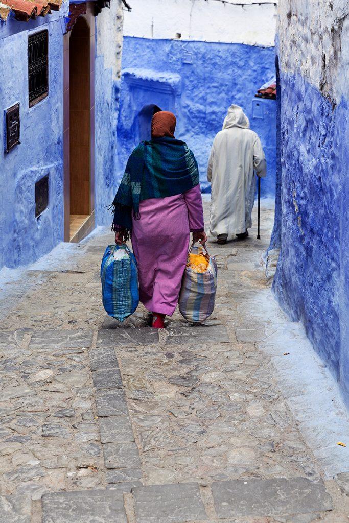 Szewszawan,Maroko,uliczka,ludzie,zakupy