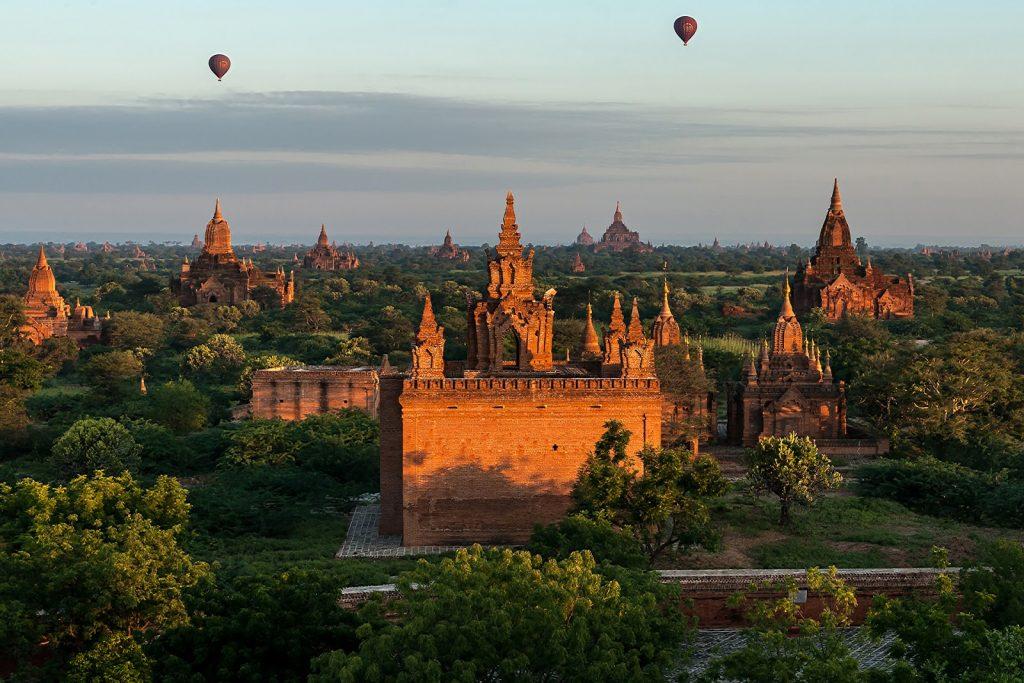 pagody,Birma,zielen,bagan