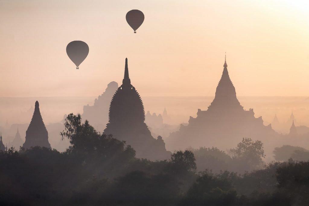 pagody,Bagan,balony,świt,Birma
