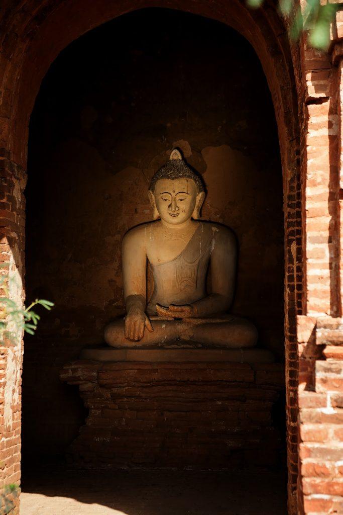 wnętrze,pagoda,rzeźba,bagan,birma