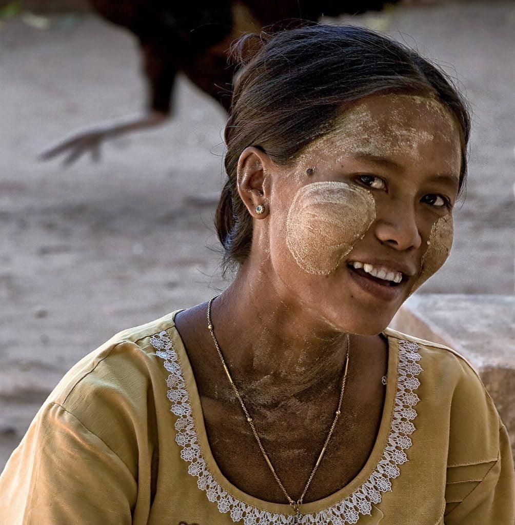 kobieta,usmiech,bagan,birma