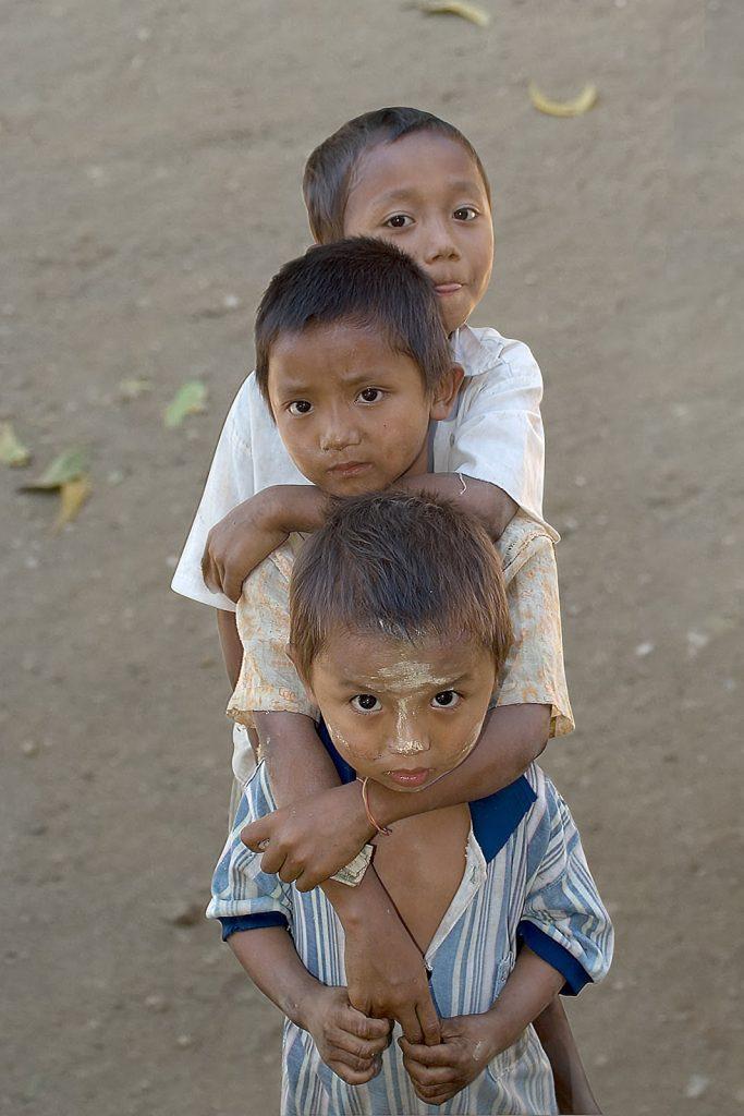 chłopcy,bagan,birma