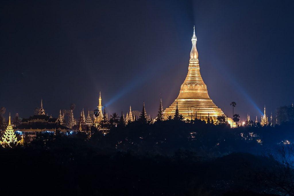 Shwedogon nocą,Birma,pagoda,Myanmar