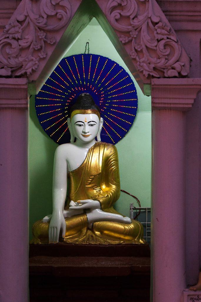 mały ołtarzyk,Shwedogon,myanmar