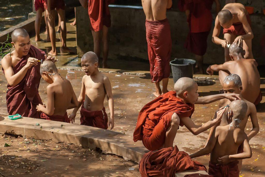 klasztor,toaleta,birma,mnisi